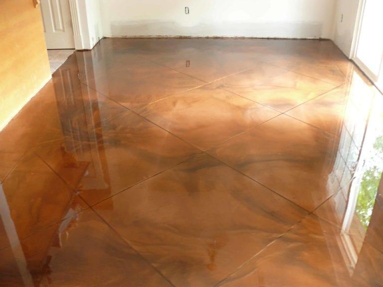 Honey metallic epoxy floor living room in Nashville, TN