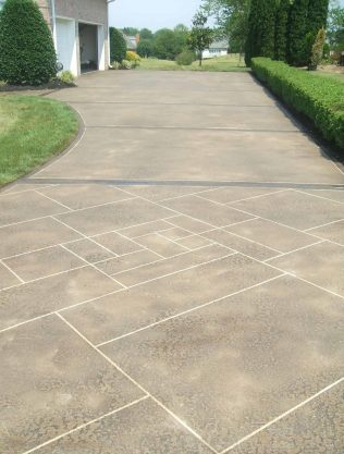 Engraved Pattern in Concrete Driveway