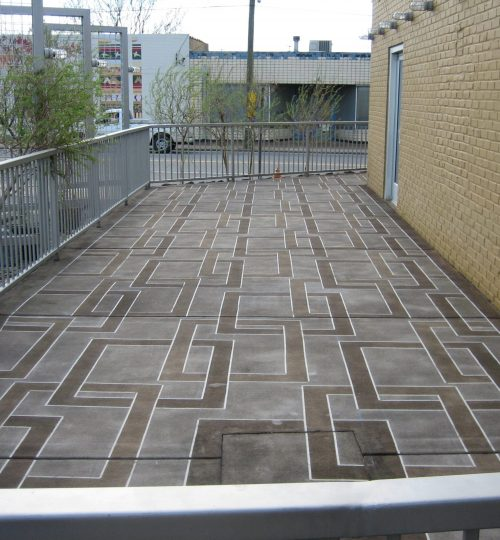 commercial concrete patio contractor